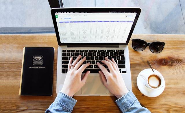 Combinar correspondencia: utilizando datos de Excel >Social Media ...