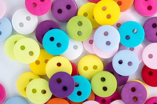 21 buttons la red para influencers de moda